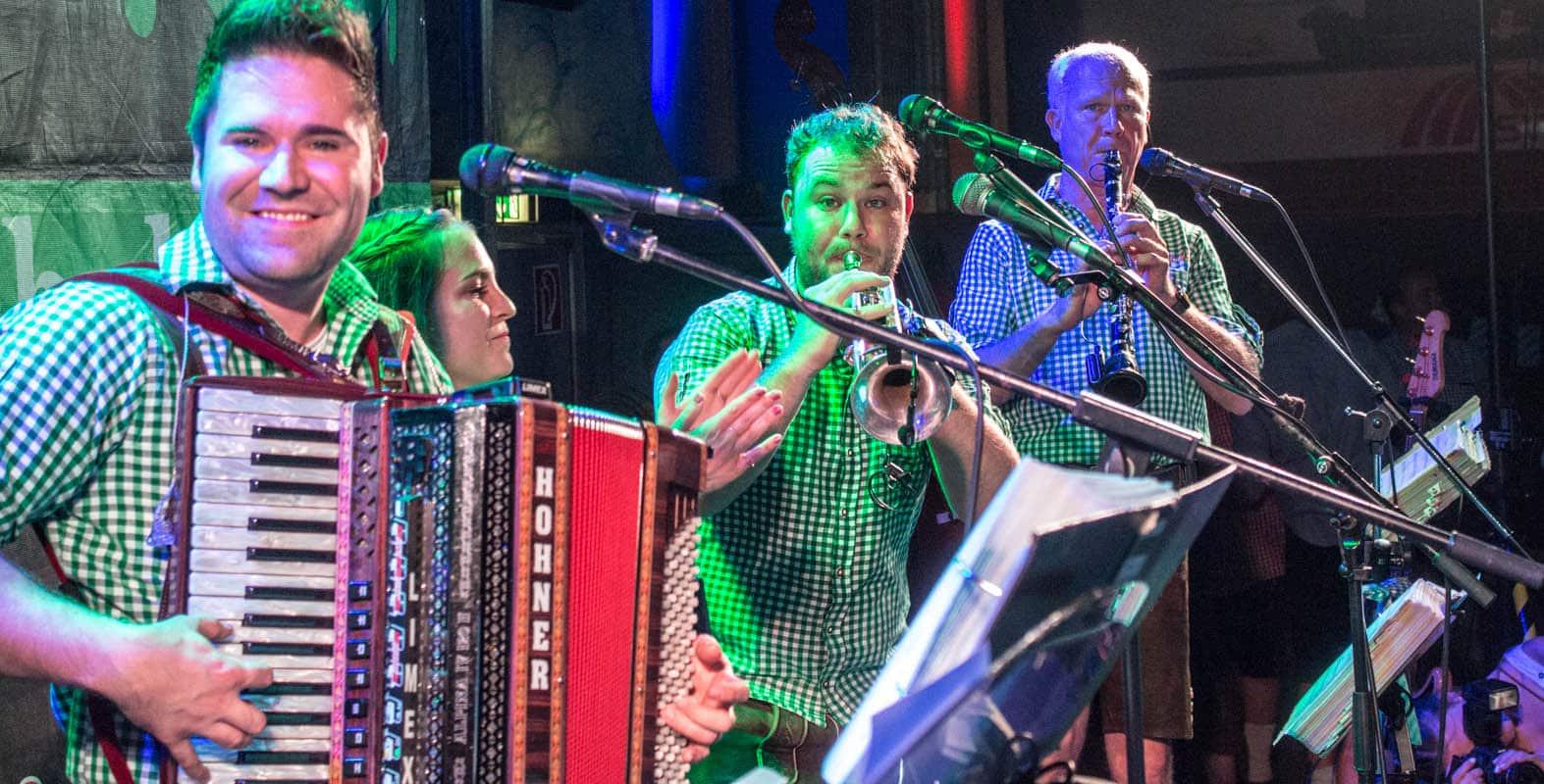 Musiker aus Bayern in der Schweiz