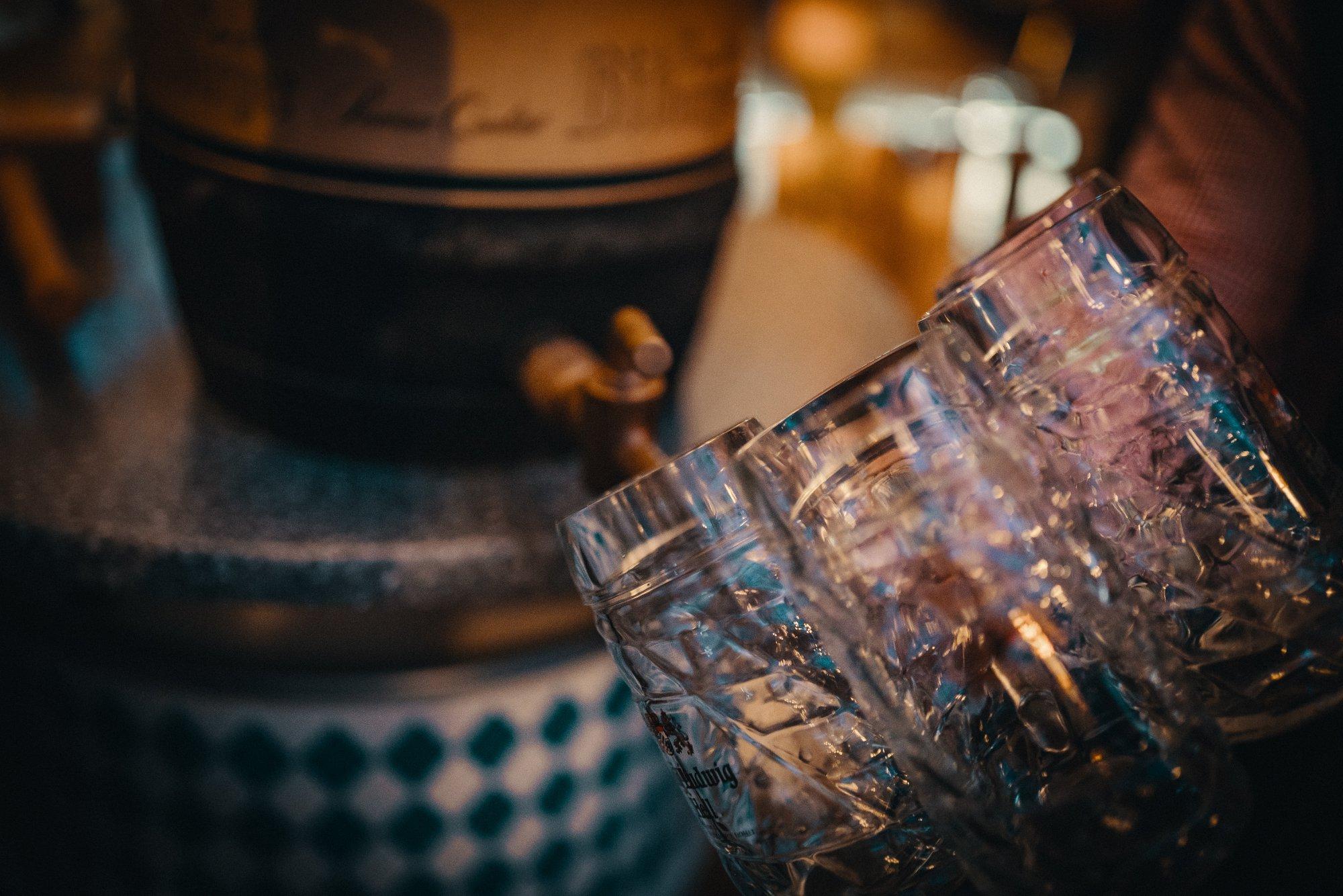 Bier mit bayrischer Musik
