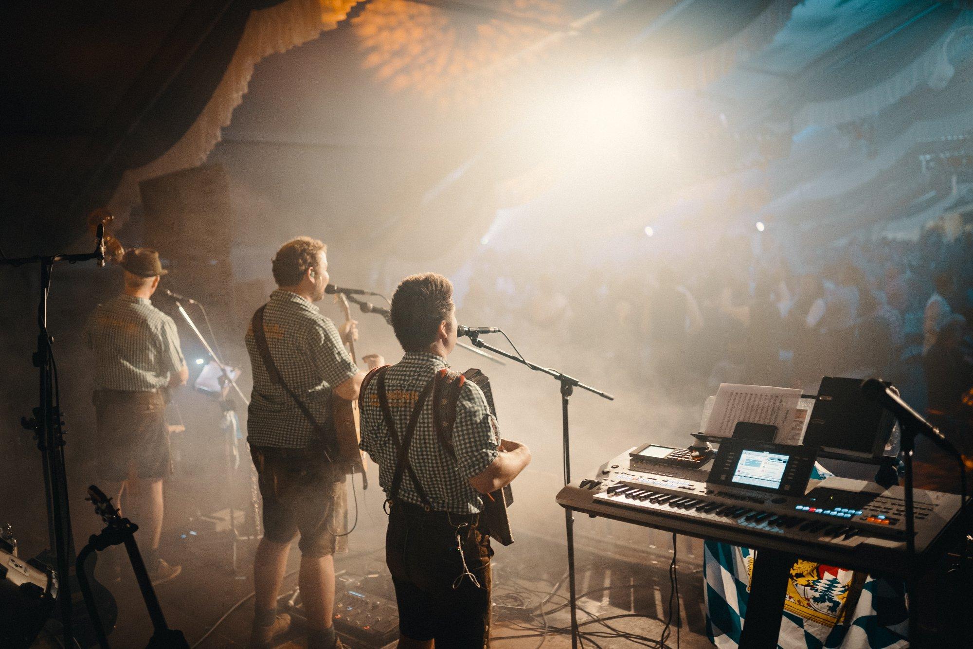 volksfestband die Lausbuba
